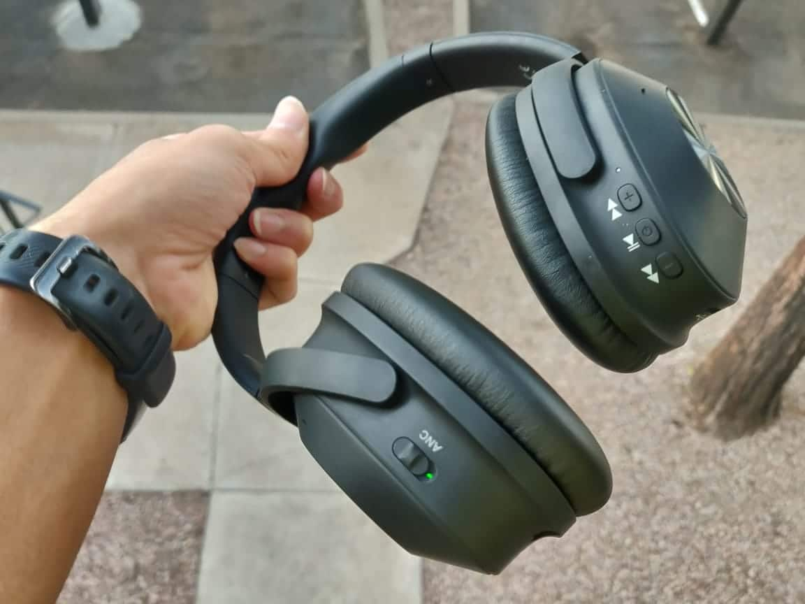 In Depth Review Of Mpow H12 Hybrid Active Noise Cancelling Headphones